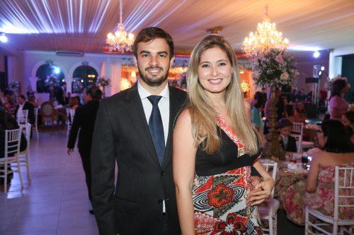Renan Sampaio e Clarissa Candeia